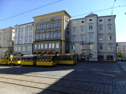 Linz - Hauptplatz - Hlavní náměstí - východní strana