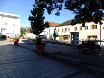 Jihovýchodní kout náměstí