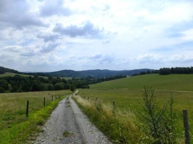 Pohled z Babí (Bambergu) zpět k Jenínu (Kodetschlagu)