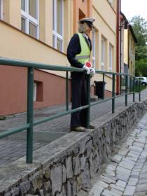 Obzvlášť trpělivý strážce Zákona před školou