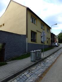 Rodný dům (či spíš nástupce rodného domu) Valentina Schmidta