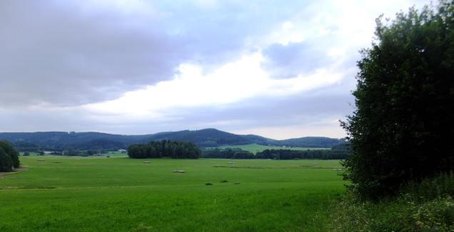 Krajina při cestě do Omlenice