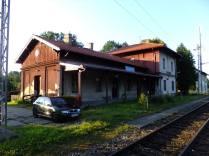 Nádraží v Omlenici - dál už pojedu vlakem